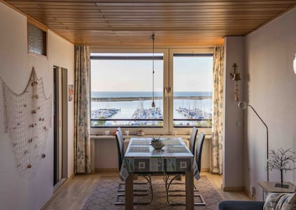 Holiday Apartment with Fantastic Seaview