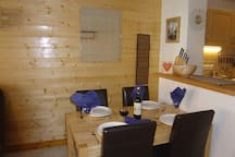 Dining space for 4 people