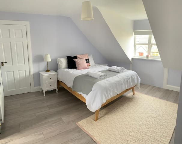 Spacious king size bedroom with large ensuite