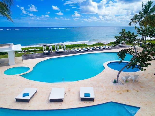 3 BR ocean-front penthouse