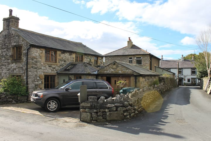 Beautiful barn conversion in sleepy Stainforth
