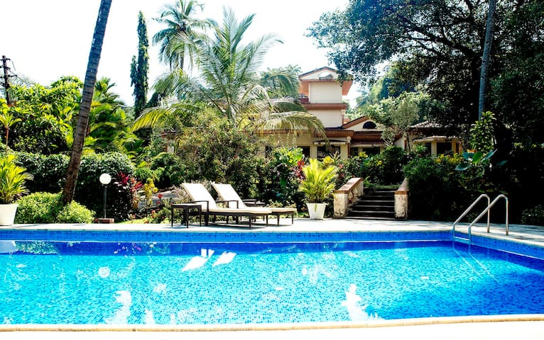 Beautiful 3 bedroom Villa with garden and pool.