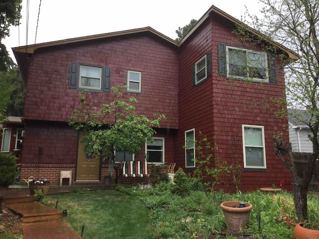 Westwind 1611 - 2 Rooms in Cheyenne Canyon Home