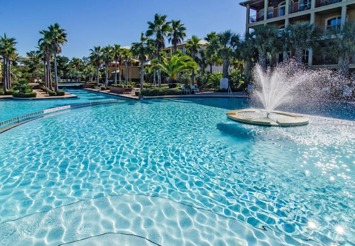 Seacrest Beach Vacation Home 20 feet from Pool