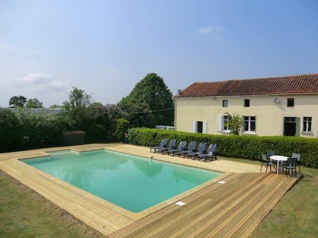 La Claye, Poitou Charente/Vendee border - Largeasse - Ev