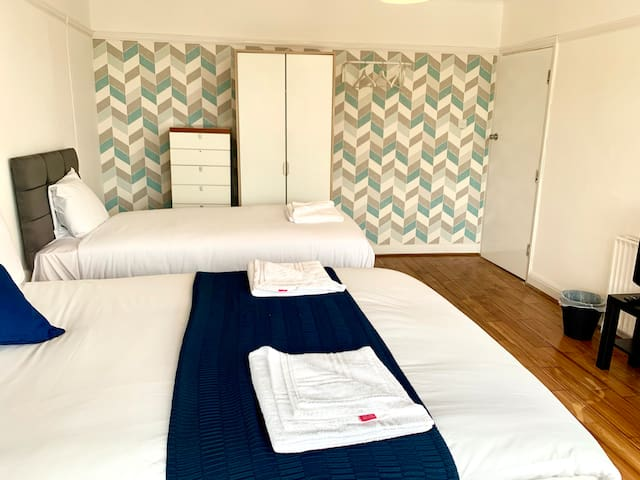 Lovely Triple Room  Wembley WH A