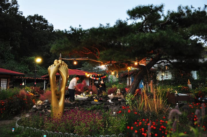 조각가 박시동미술관 & 황토방 큰둥지