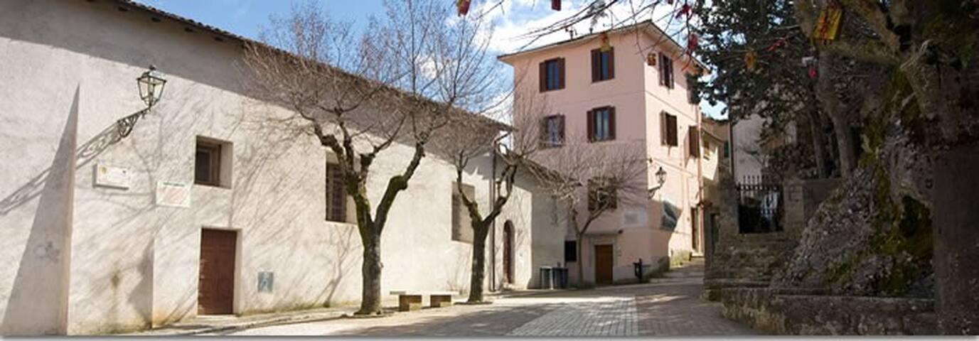 Borgo Antico,Saracinesco,Roma