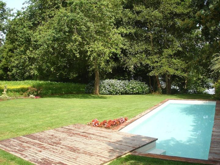 Casa da Furna - pool by the river