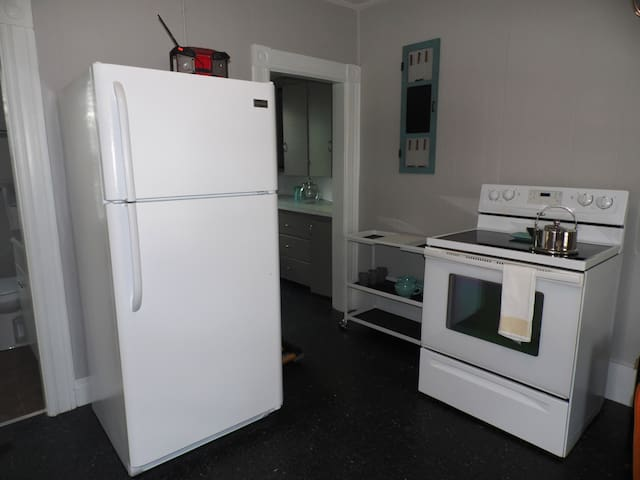 Fully Furnished 1 Bed / 1 Ba - Avail 5/18 - Manchester - Apartamento
