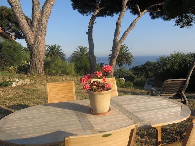 Giens appart et jardin vue mer 180° - Hyères - Lägenhet