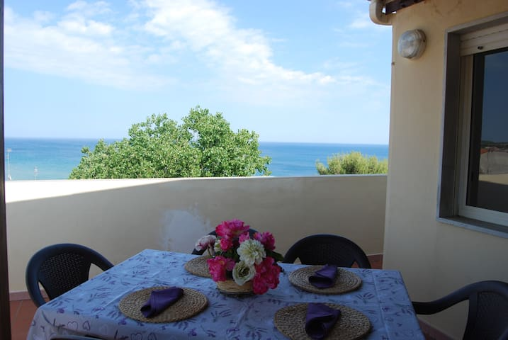 Japigium Penthouse Poseidonia wonderful sea view