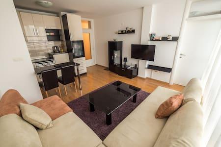Apartment Avaz - Tuzla - Daire