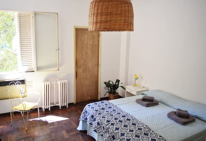 Lovely Room in the heart of Mza w/private bathroom