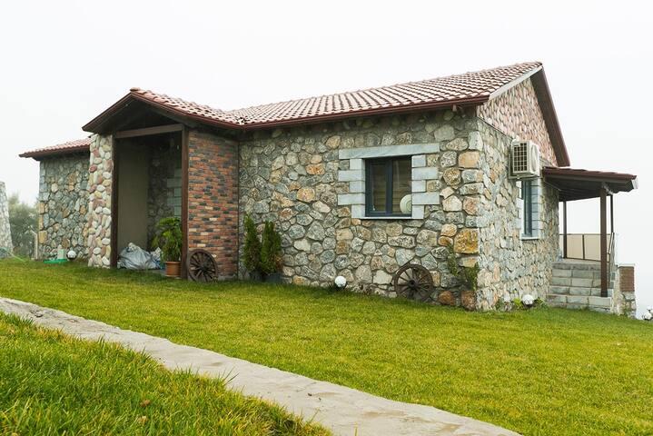 Askania Stone House - 2