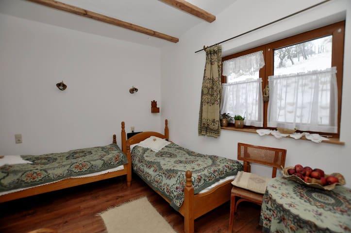 Sváb szoba a Míves Vendégházban - Pogány - Cabin