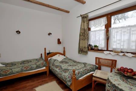 Sváb szoba a Míves Vendégházban - Pogány