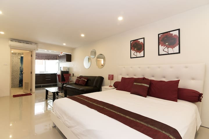 Beautiful large Beach studio condo1 - Pattaya - Apartamento