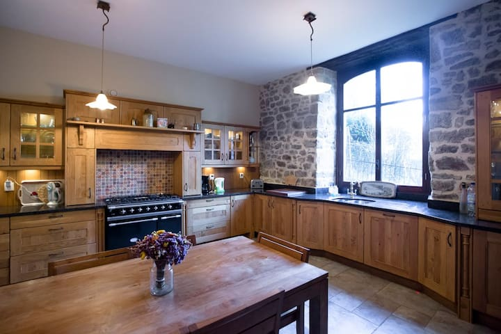 Luxury 4-Bed House in Dinan Port - Lanvallay - Casa