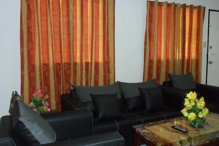 Modern Home, Near Laguindingan Airport 40 minutes - House
