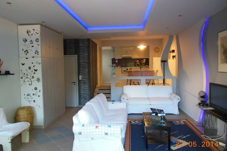 Rent 2 rooms apartment 80 m2 Volos - House