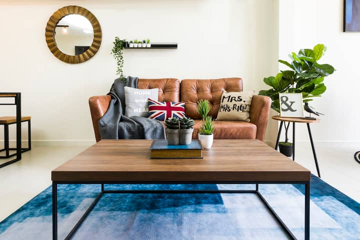 Family friendly stylish loft for 4,Tamarind Suites
