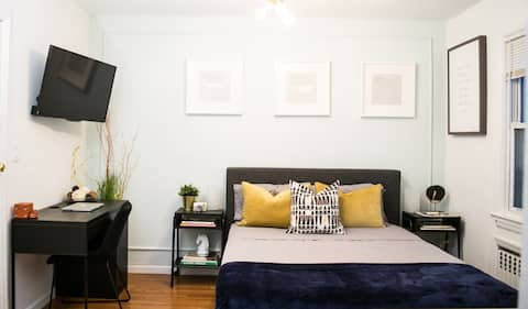STUDIO WITH PRIVATE BATH - 30 mins from NYC