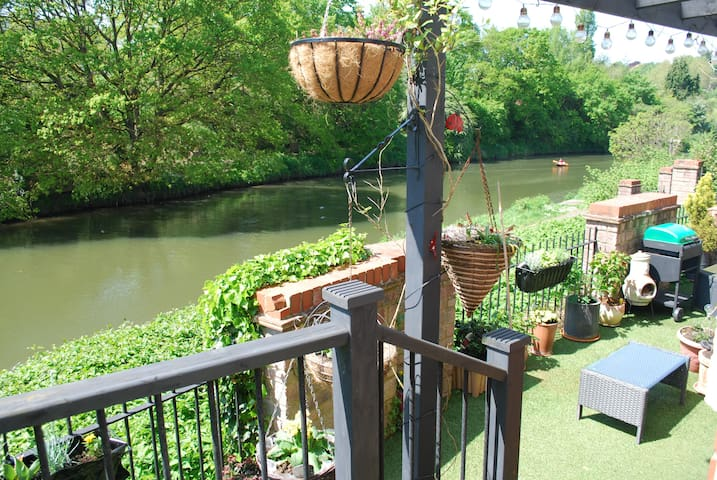 Riverside Walk - NHS free accommodation until June