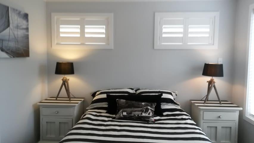 Fresh and trendy bedroom