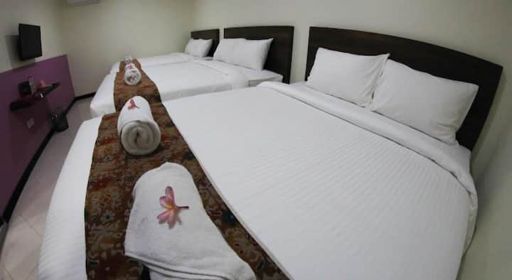 5rooms, 15double beds of 30 pax near Seminyak,Bali