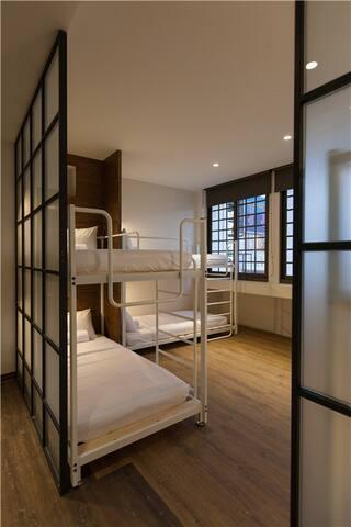 花蓮火車站旁小旅行迷你公寓6人套房-6 BEDS ROOM