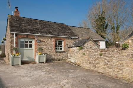 Pretty Stable Cottage walk to Padstow & 8 beaches - Little Petherick