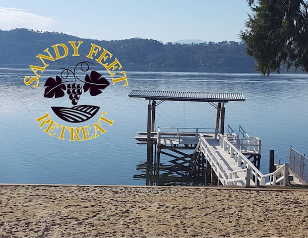 Sandy Feet Retreat - Lakefront, Private Dock