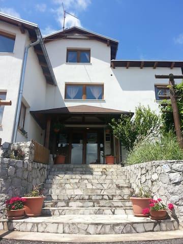 Familienfreundliches Gaestehaus Plitvicka vila