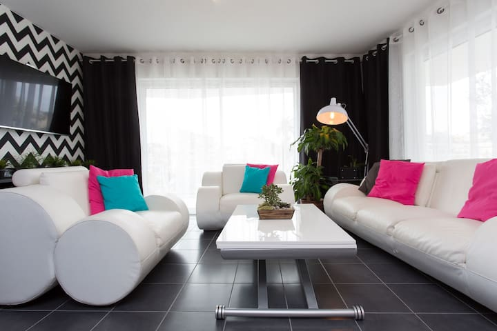 Beautiful double bedroom  - Cannes - Apartment