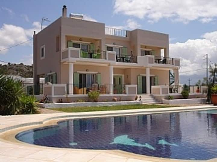 Big private pool ★Close to the beach★ Sea view