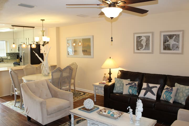 Beautiful 2bed/2.5bath- Close to Pier & Beach - Saint Simons Island - Apartment
