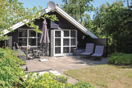 Holiday cottage with 2 bedrooms on 51m² in Ansager