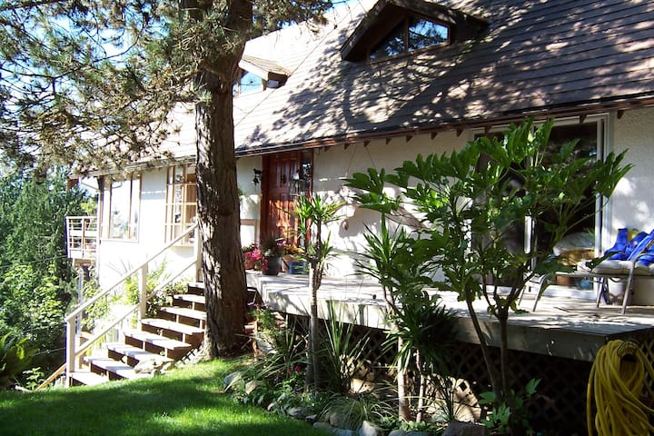 Ocean View Paradise (BR1) Ocean View - Lions Bay - Bed & Breakfast