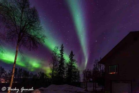 """""""Skys Place""""  Northern Lights & Alaskan Charm"""
