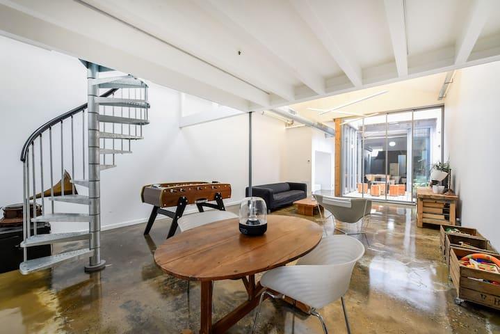 Proche Bordeaux Centre- Loft design avec patio - Bordeaux - Loft