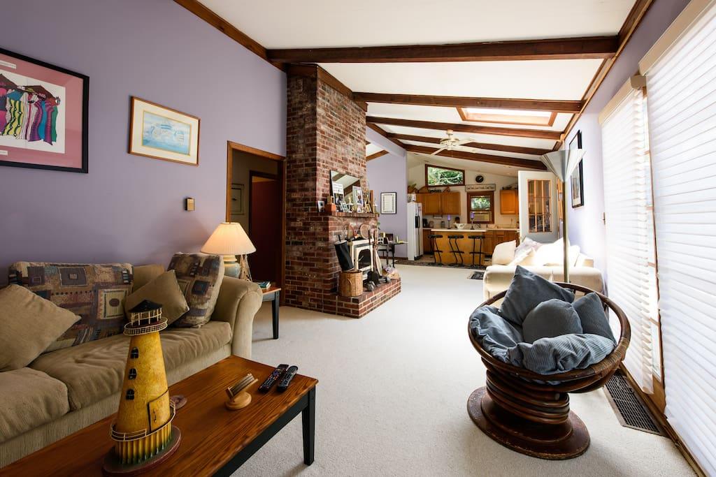 martha 39 s vineyard private room b b hot tub bed and. Black Bedroom Furniture Sets. Home Design Ideas