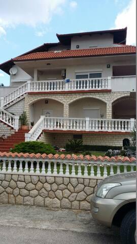 Beautiffol Apartman vor Family - Novi Vinodolski - Lejlighed