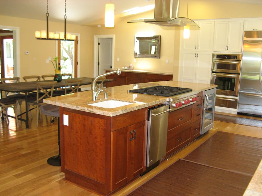 Roomy island with Wolf gas cooktop