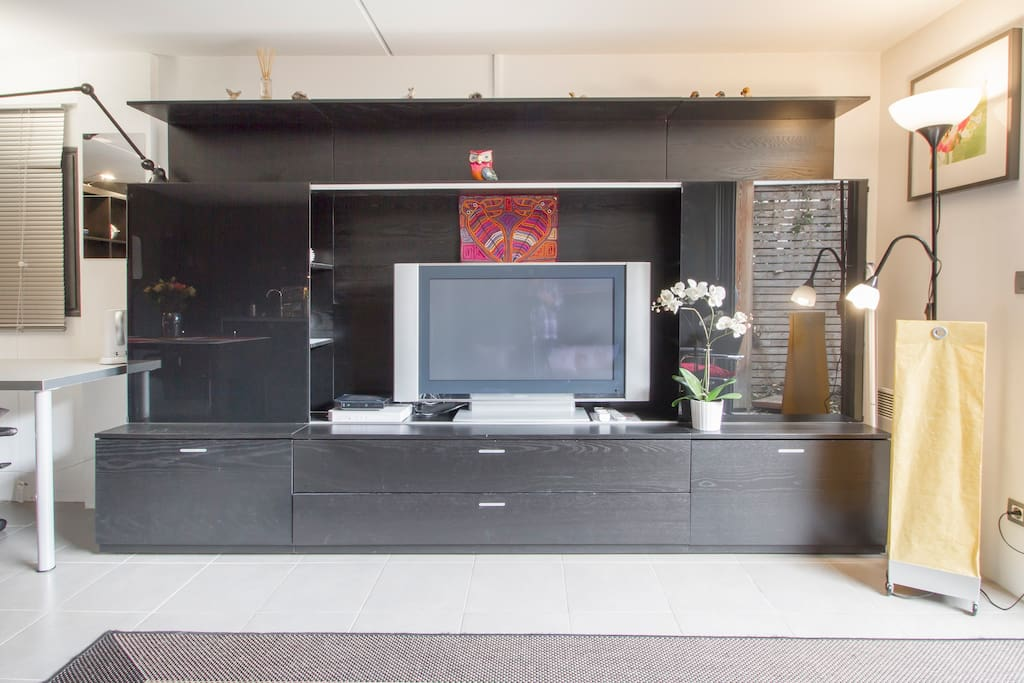studio meubl avec jardin apartments for rent in bordeaux. Black Bedroom Furniture Sets. Home Design Ideas