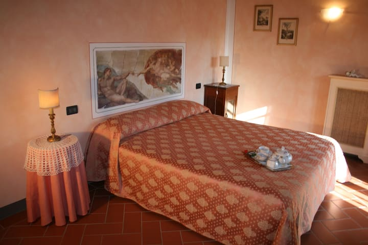 camere privata in villa  - castelfiorentino - Bed & Breakfast