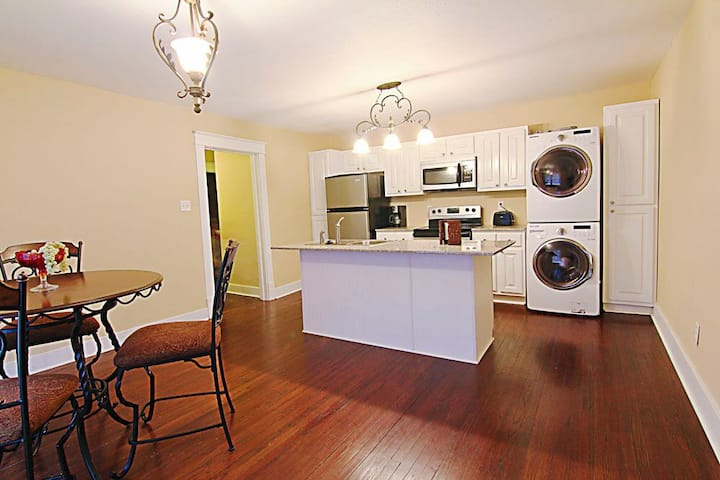 501#A - Historical Downtown w/Modern amenities!