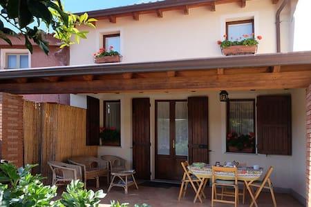 Nice two floor house with garden - Teulada - Haus