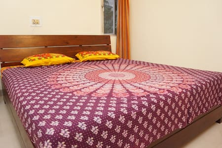 ★☞ Well located big room in a house - Pune - Casa
