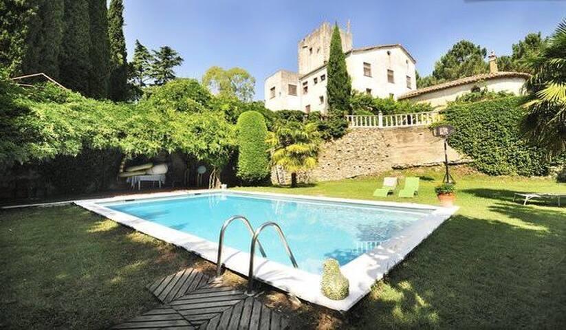 Casa de campo con piscina privada - Bescanó
